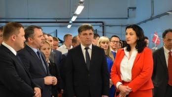 Експортуватимуть продукцію у 80 країн світу:на Яворівщині відкрили нові потужності меблевої фабрики