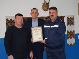 Місцеву пожежну команду с Віжомля привітали з  Днем рятівника