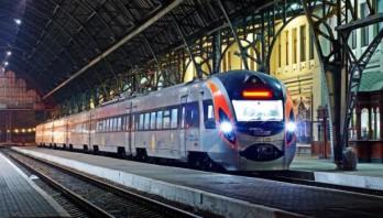 """""""Укрзалізниця"""" призначила 5 додаткових поїздів на жовтень"""