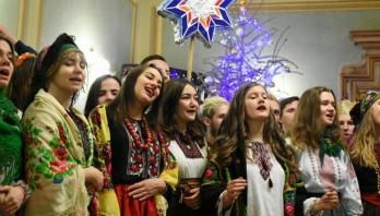Дзвінкою колядою привітав працівників Львівської ОДА вертеп осередку Української академії лідерства