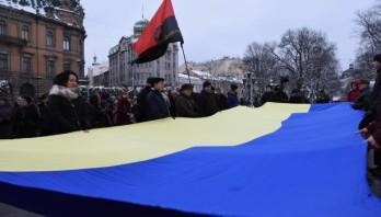 У День Соборності десятки людей спільно молилися за Україну