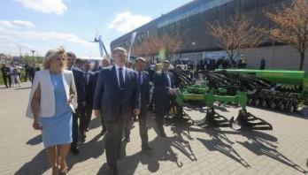 Президент на форумі «Agroport West Lviv 2018»: Моя мета – підтримати фермера, бо це людина, яка годує Україну