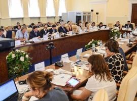 Маємо забезпечити прозоре і стабільне фінансування місцевих бюджетів у 2019 році, – Зубко