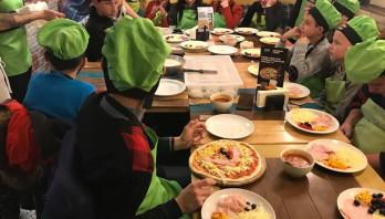 Майстер-клас по виготовленню піци у Pizza Celentano для дітей Краковецького НРЦ