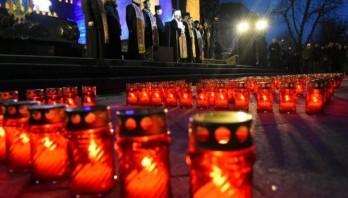 Біля пам'ятника Тарасу Шевченку вшанують пам'ять Героїв Небесної Сотні