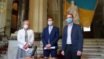 Медики Львівщини, які захворіли на COVID-19, отримали перші страхові виплати