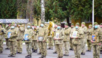 У м. Яворові зустріли бійців 24-ї окремої механізованої бригади імені короля Данила