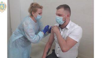До уваги мешканців області: графік роботи центрів вакцинації на вихідні