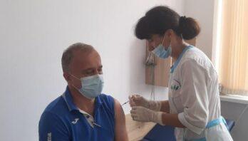Вчора на Львівщині провакцинували 9464 особи, з них 2000 – у центрах вакцинації