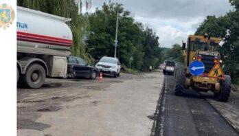 На Золочівщині ремонтують нову ділянку дороги Ясенів — Золочів