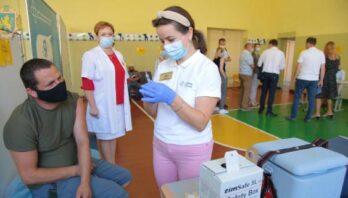 Вчора 9678 осіб в області отримали щеплення від ковіду