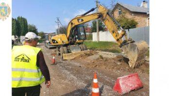 В області розпочали ремонтувати дорогу Заставне – Глиняни