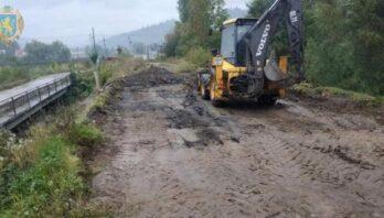 На дорозі Мшанець – Стрілки розпочали ремонтувати міст, який зруйнувала повінь