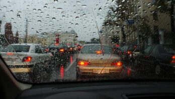 За минулу добу на дорогах Львівщини трапились три ДТП: водіїв закликають бути обережними